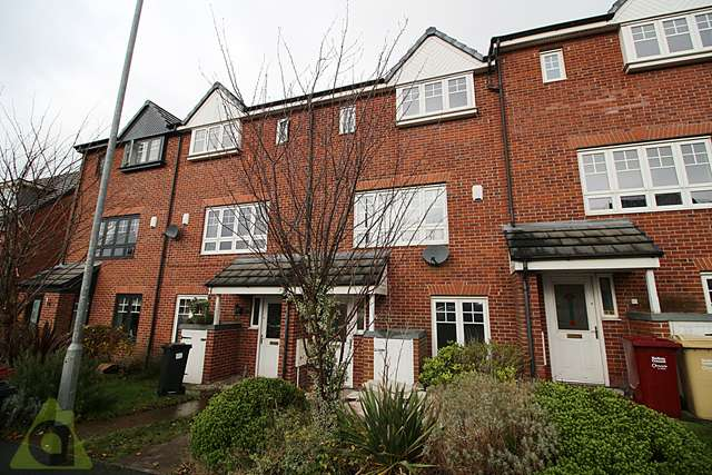 4 Bedrooms Mews House for rent in Evergreen Avenue, Horwich BL6