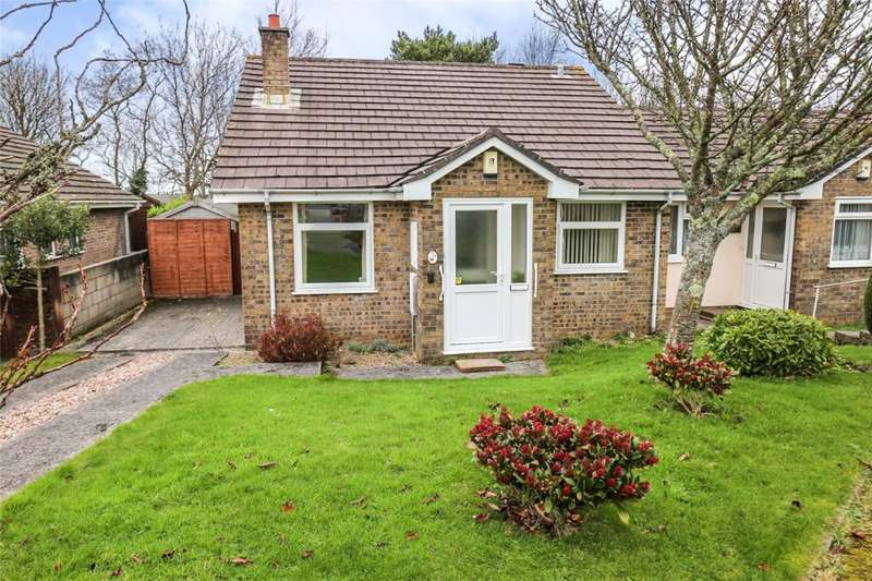 2 Bedrooms Semi Detached Bungalow for sale in Tregavethan View, Threemilestone, Truro