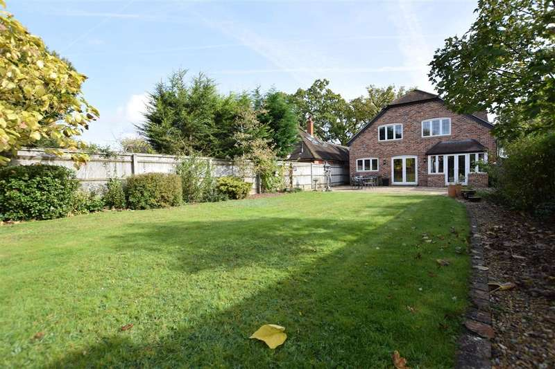 4 Bedrooms Detached House for sale in Spencers Wood, Reading, RG7