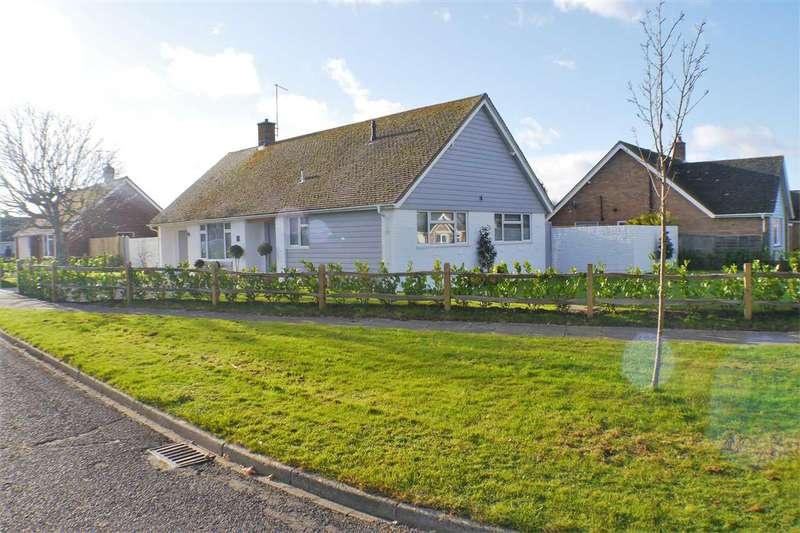 4 Bedrooms Bungalow for sale in Hawke Close, Rustington