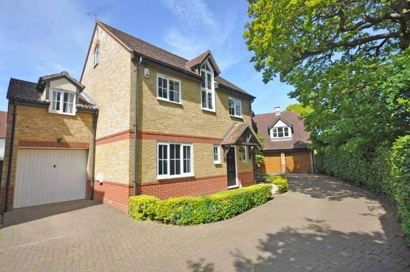 5 Bedrooms Detached House for sale in Cuckoo Way, Great Notley, Braintree, CM77