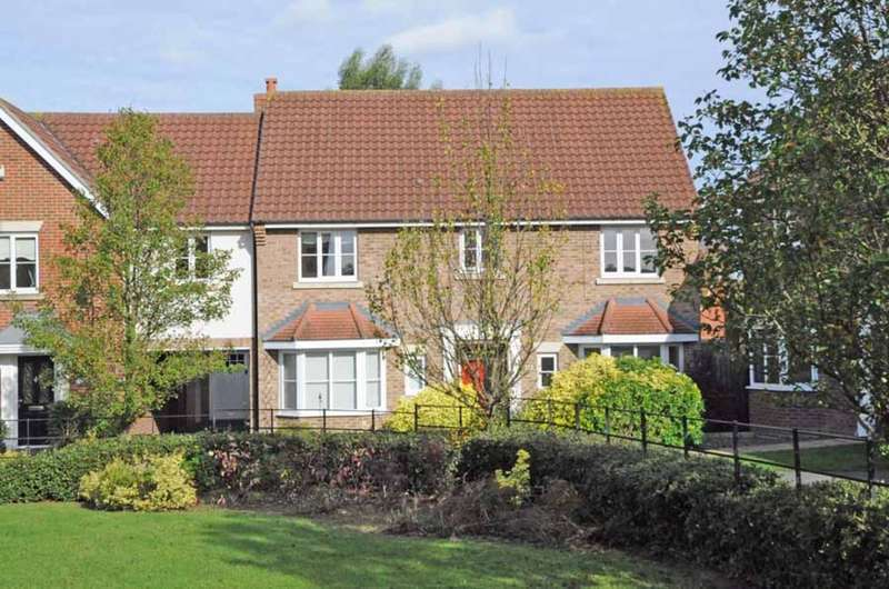 5 Bedrooms Link Detached House for sale in Chestnut Avenue, Great Notley, Braintree, CM77