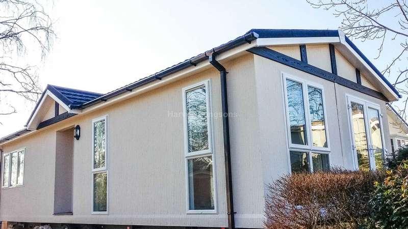 2 Bedrooms Park Home Mobile Home for sale in Chalk Hill Lane, Great Blakenham