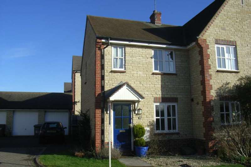 2 Bedrooms Semi Detached House for rent in Woodpecker Close, Bicester