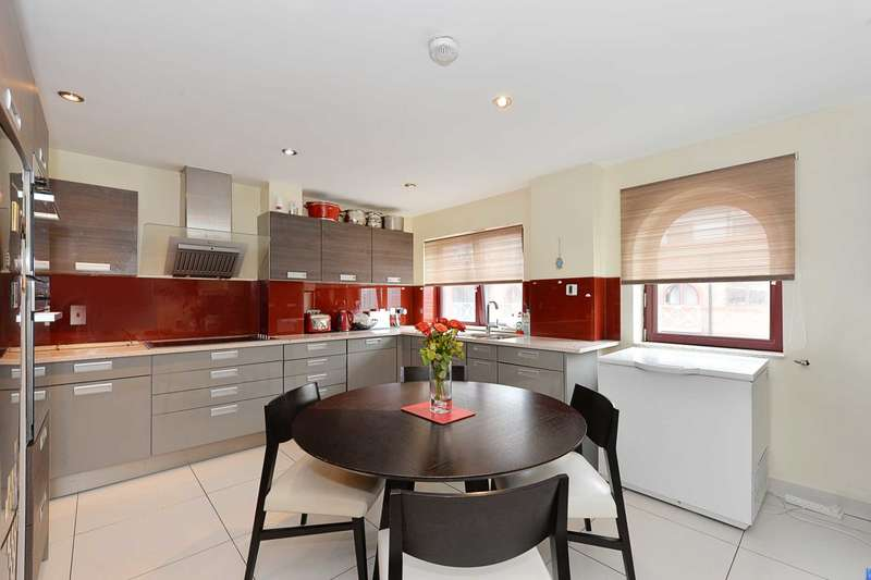 4 Bedrooms Apartment Flat for sale in Sailmakers Court, Fulham Broadwayn SW6