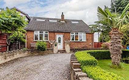 4 Bedrooms Semi Detached House for sale in Bury Road, Tottington, Bury, Greater Manchester, BL8 3EU
