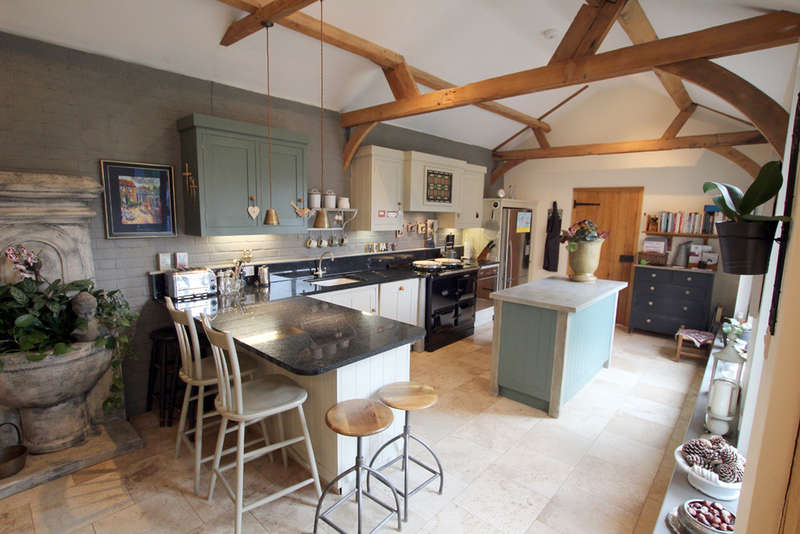 5 Bedrooms Unique Property for sale in Chipping Hall Barns, Chipping, Herts