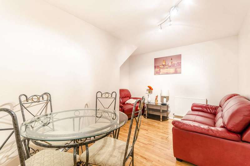 4 Bedrooms Maisonette Flat for sale in Douglas Johnston House, Fulham Broadway, SW6