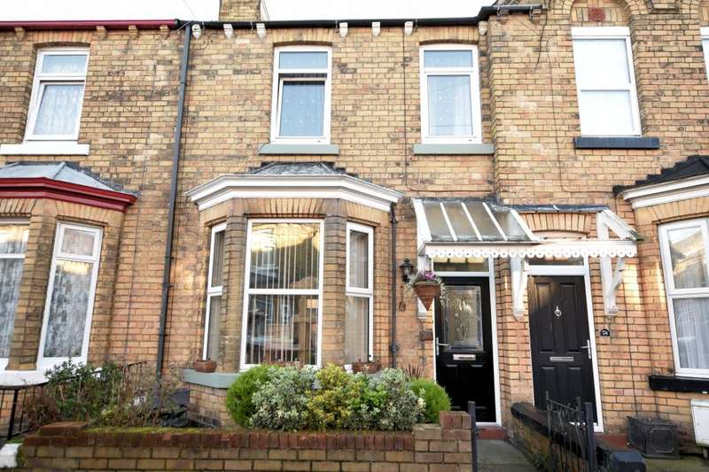 3 Bedrooms Town House for sale in Gordon Street, Scarborough, North Yorkshire YO12 7RX