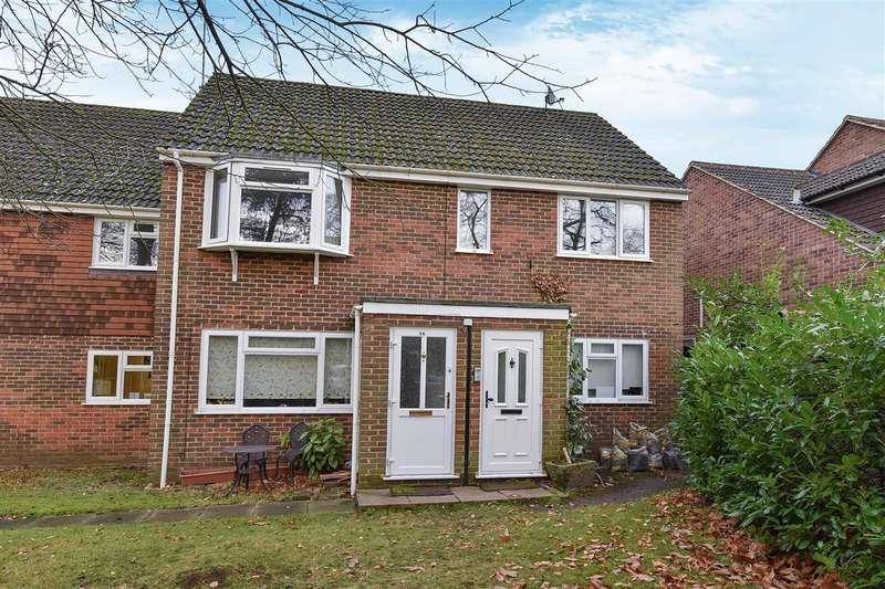 2 Bedrooms Maisonette Flat for sale in Waterloo Road, Crowthorne
