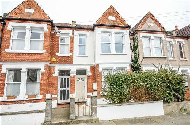 3 Bedrooms Flat for sale in Credenhill Street, LONDON, SW16