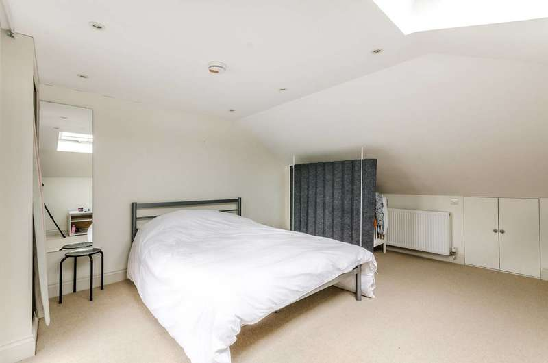 2 Bedrooms Maisonette Flat for sale in Macfarlane Road, Shepherd's Bush, W12