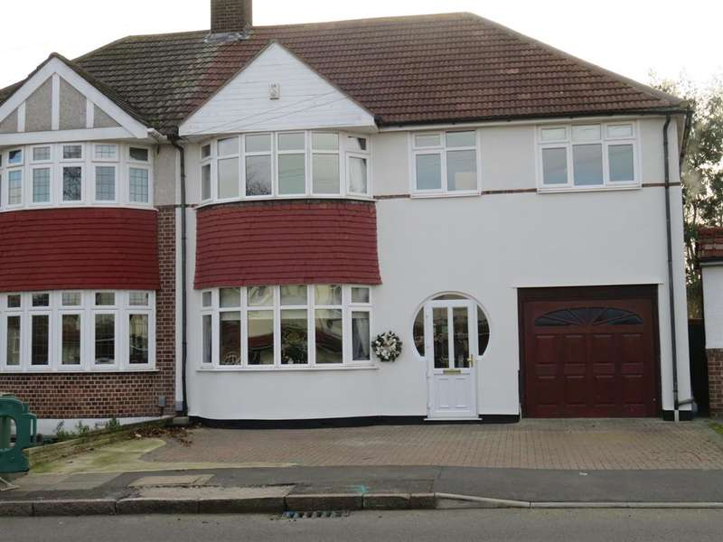 4 Bedrooms Semi Detached House for sale in Selwyn Crescent, Welling, Kent, DA16 2AP