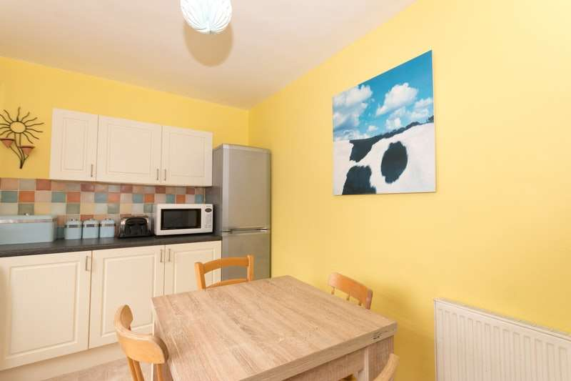 3 Bedrooms Semi Detached House for sale in Mercread Road, Seaford, East Sussex, BN25