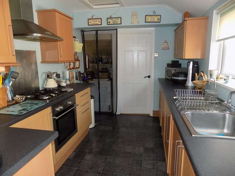 3 Bedrooms Terraced House for sale in Brook Street, Taibach, Port Talbot, Neath Port Talbot. SA13 1TG