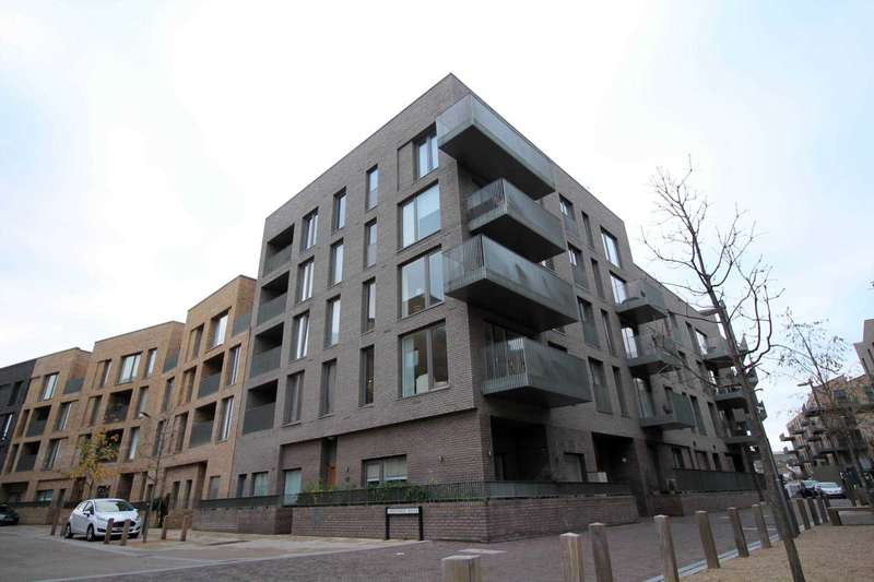 2 Bedrooms Apartment Flat for sale in Brentford Lock West
