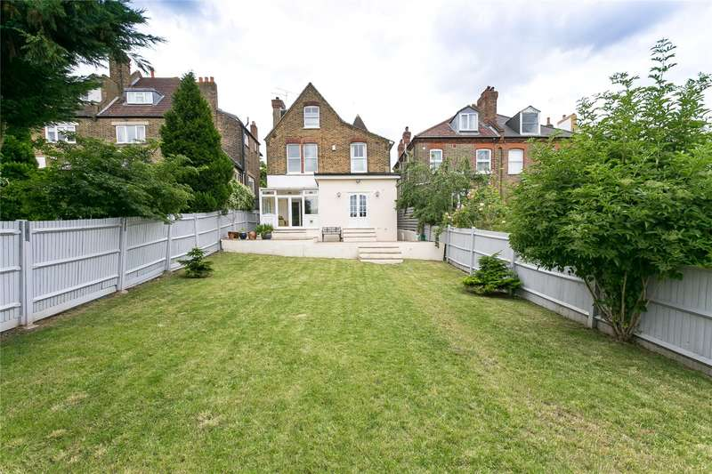 5 Bedrooms Detached House for sale in Overhill Road, London, SE22