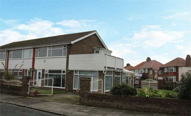 3 Bedrooms Semi Detached House for sale in South Avenue, Thornton-Cleveleys, Lancashire