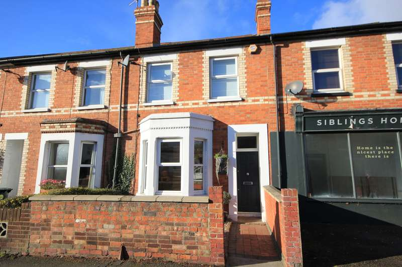 3 Bedrooms Semi Detached House for sale in Hemdean Road, Caversham, Reading, RG4