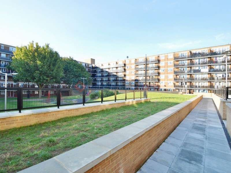 2 Bedrooms Flat for sale in Layard Square, Surrey Quays SE16