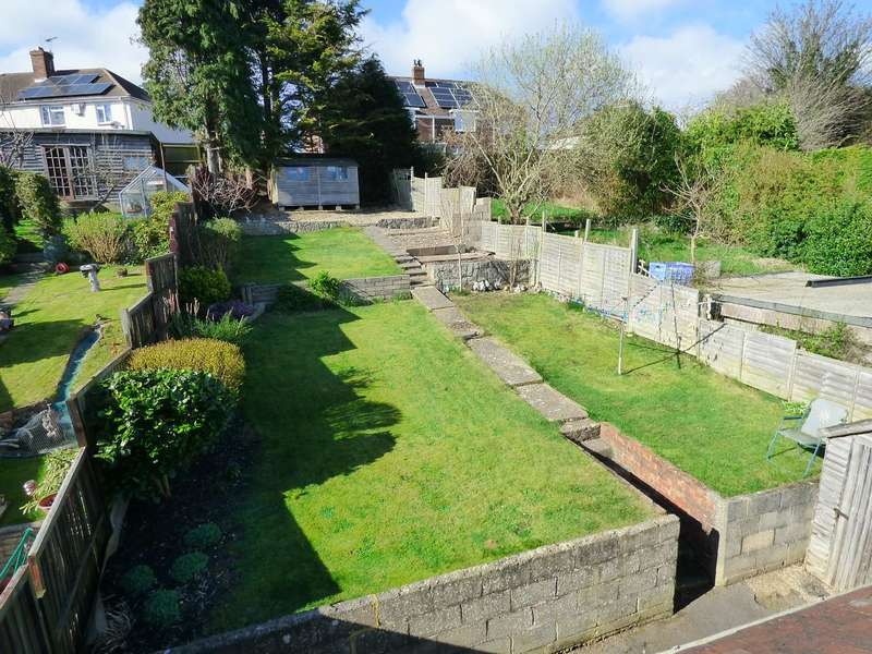 3 Bedrooms Semi Detached House for sale in WOW!!! 80ft GARDEN - GREAT VALUE FOR MONEY - VIEWING A MUST