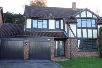 4 Bedrooms Detached House for rent in St Johns