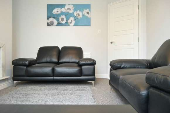 4 Bedrooms Semi Detached House for rent in Palmers Green, Penkhull, Hartshill, Stoke On Trent