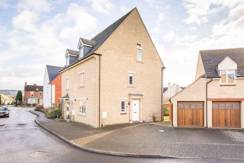3 Bedrooms Semi Detached House for sale in Greenacre Way, Bishops Cleeve, Cheltenham, GL52 8SQ