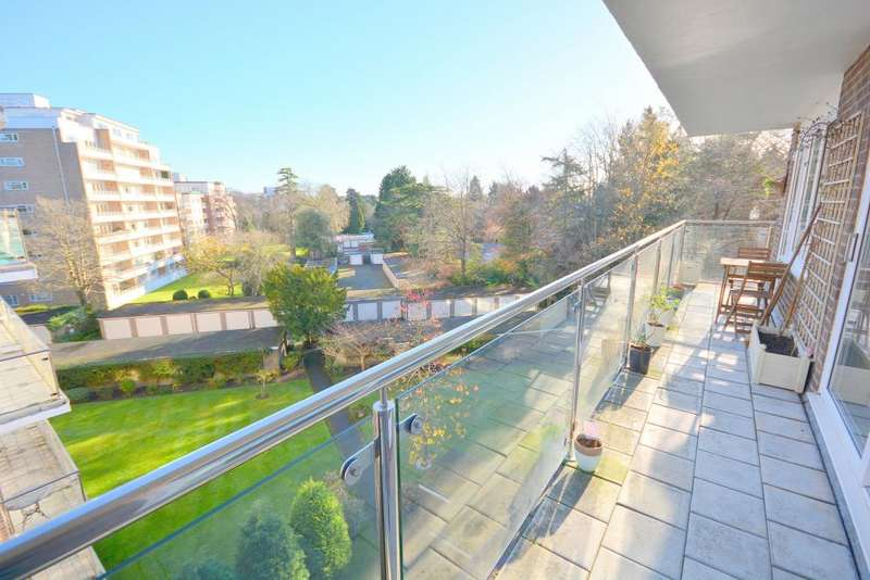 2 Bedrooms Apartment Flat for sale in Widerton Rd, Branksome Park, Poole, BH13 6EB