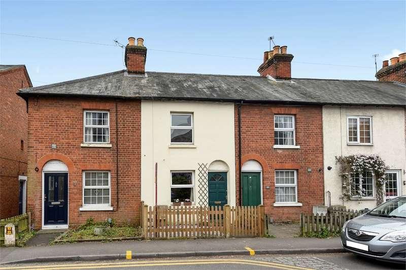 2 Bedrooms Terraced House for sale in Langborough Road, Wokingham, RG40