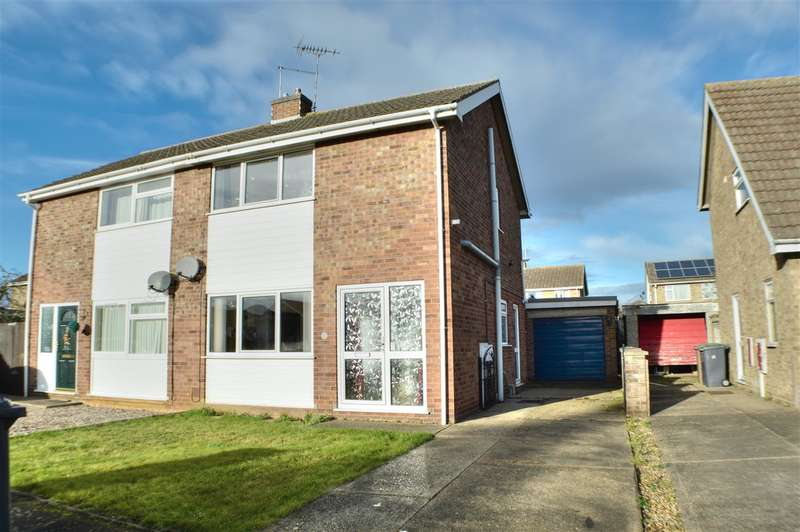 3 Bedrooms Semi Detached House for sale in Ripon Drive, Sleaford