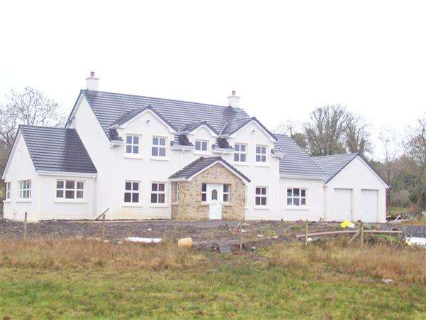 5 Bedrooms Detached House for sale in Shankill Road