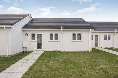 2 Bedrooms Bungalow for sale in St Merryn Holiday Park, St Merryn, Padstow