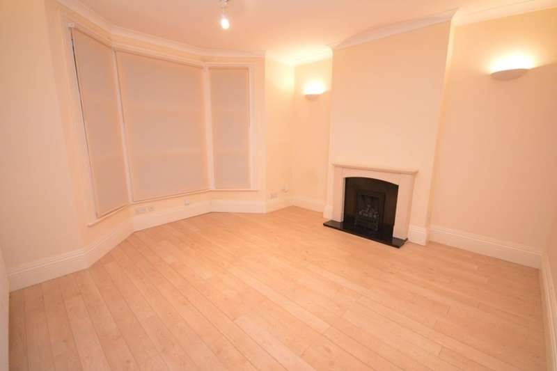 5 Bedrooms Semi Detached House for rent in Fordel Road, London, SE6