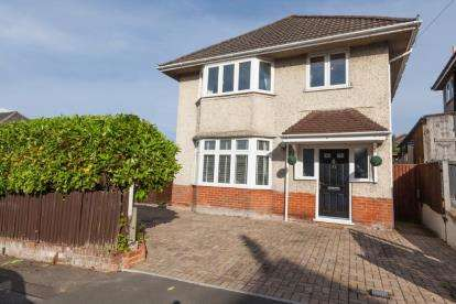 3 Bedrooms Detached House for sale in Southbourne, Bournemouth, Dorset