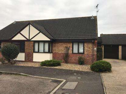 2 Bedrooms Bungalow for sale in Loddon, Norwich, .