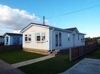 2 Bedrooms Mobile Home for sale in Longstanton, Cambridge, Cambridgeshire
