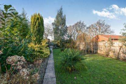 4 Bedrooms Bungalow for sale in Hainford, Norwich, Norfolk