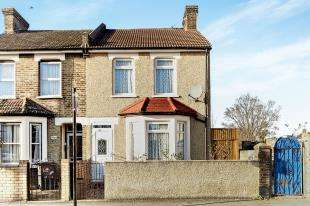 3 Bedrooms Semi Detached House for sale in Sumner Road South, Croydon, Surrey, .