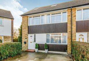 4 Bedrooms End Of Terrace House for sale in Felland Way, Reigate, Surrey