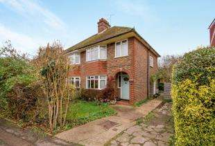3 Bedrooms Semi Detached House for sale in New North Road, Reigate, Surrey
