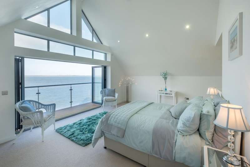 4 Bedrooms End Of Terrace House for sale in Solent Shores, Gurnard