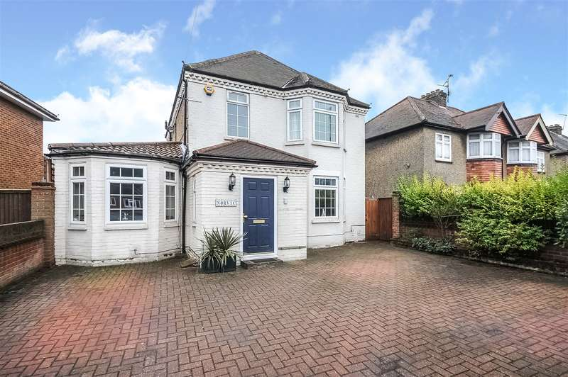 4 Bedrooms Detached House for sale in Oxford Road, Gerrards Cross, Buckinghamshire, SL9