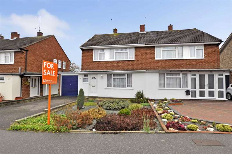 3 Bedrooms Semi Detached House for sale in Canuden Road, Chelmsford