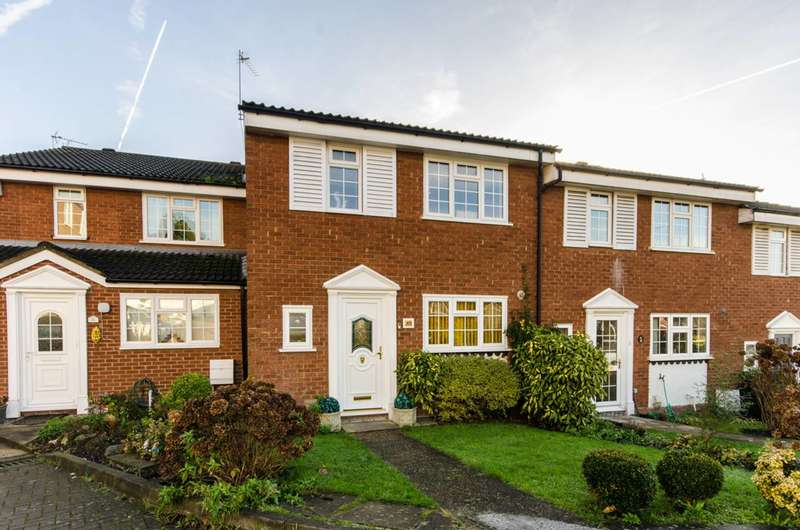 3 Bedrooms Terraced House for sale in Firs Avenue, Friern Barnet, N11