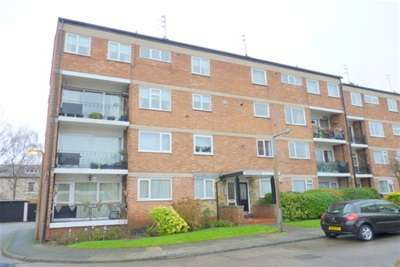 2 Bedrooms Flat for rent in Talbot Court, Oxton