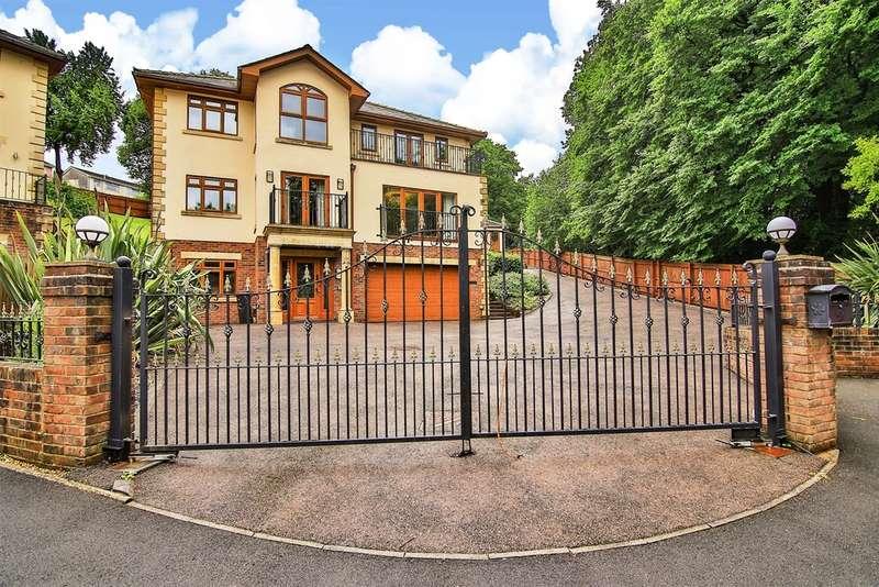 5 Bedrooms Detached House for sale in Brecon Walk, Treharris