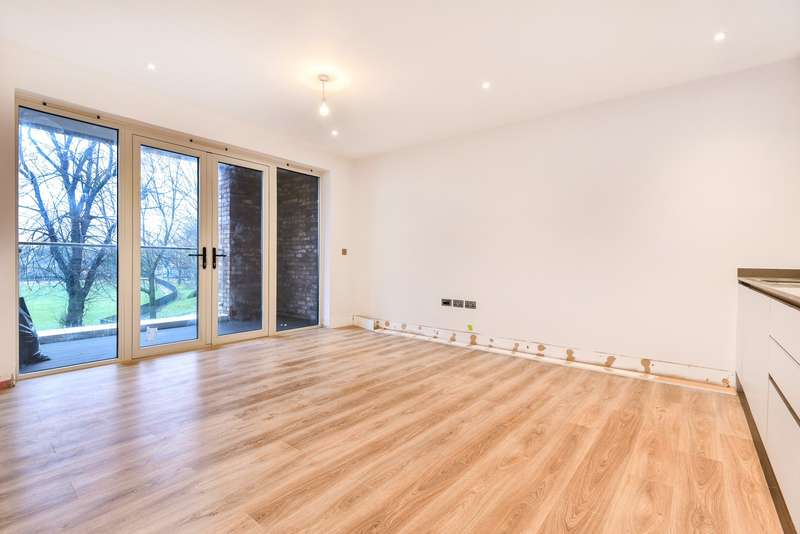 3 Bedrooms Flat for sale in Haydon's Road, Quick's Road, Wimbledon, SW19