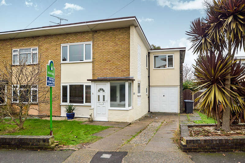 3 Bedrooms Semi Detached House for sale in Freemens Way, Deal, CT14