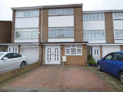 4 Bedrooms Terraced House for sale in Rainham, Essex, .